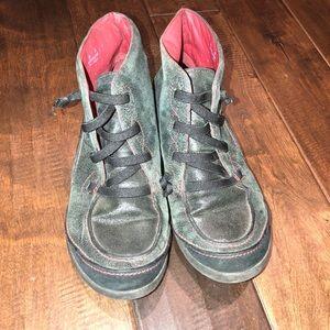 Women's size 6 Clark's sneaker booties